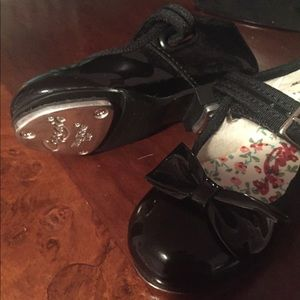 Other - Toddler tap shoes size 6.5 (fits like a 5.5)